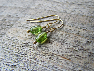 14k Gold Peridot Drop Earrings
