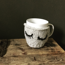 Load image into Gallery viewer, Ollie Mug Warmer - Free Knitting Pattern