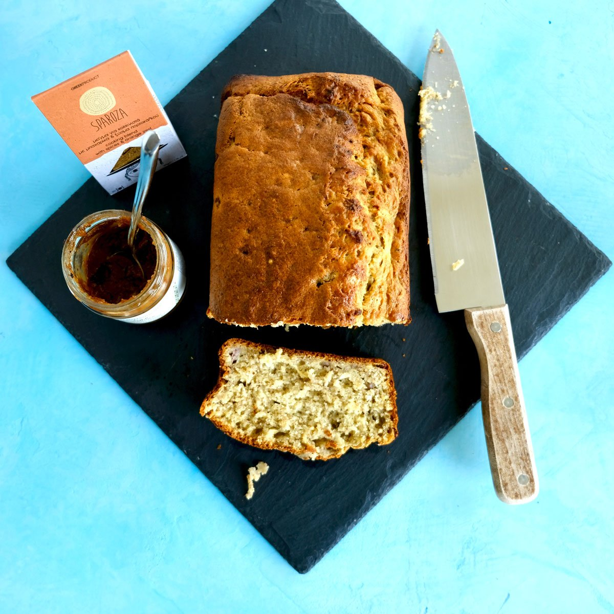 Spicy banana bread with Sparoza spice and orange zest cooking blend condiment