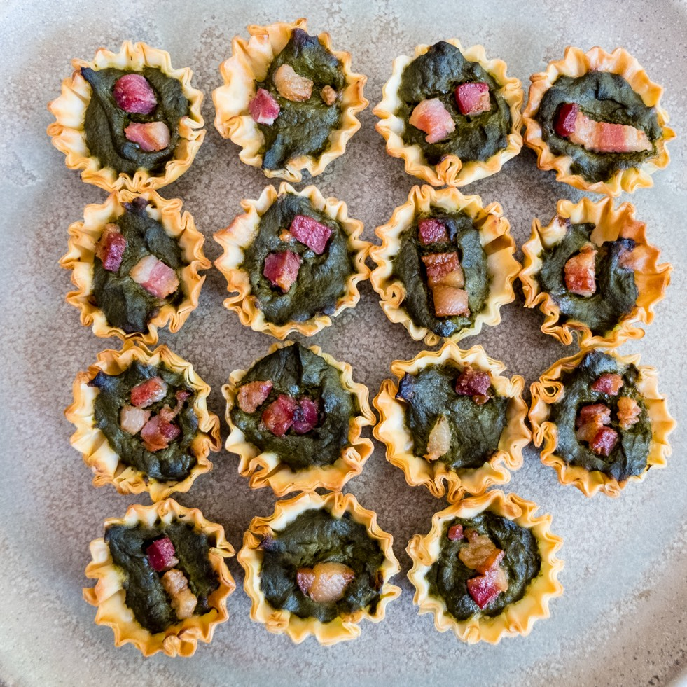 easy homemade spinach and feta phyllo cups