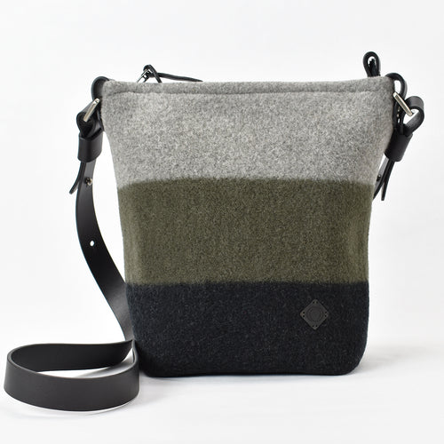 Scout handbag in Alpine / Raven soft merino wool and 1