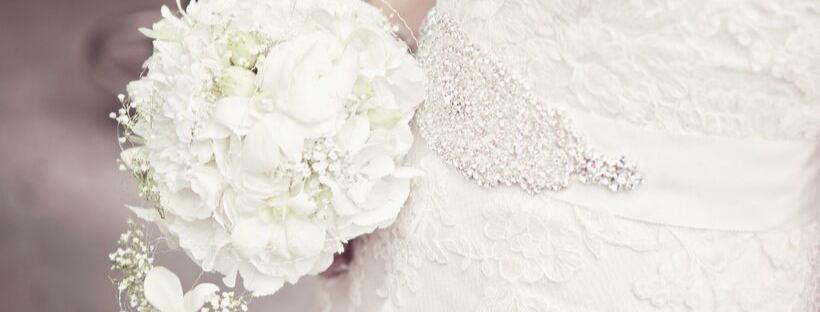 June Avenue Bridal bouquet with bridal belt