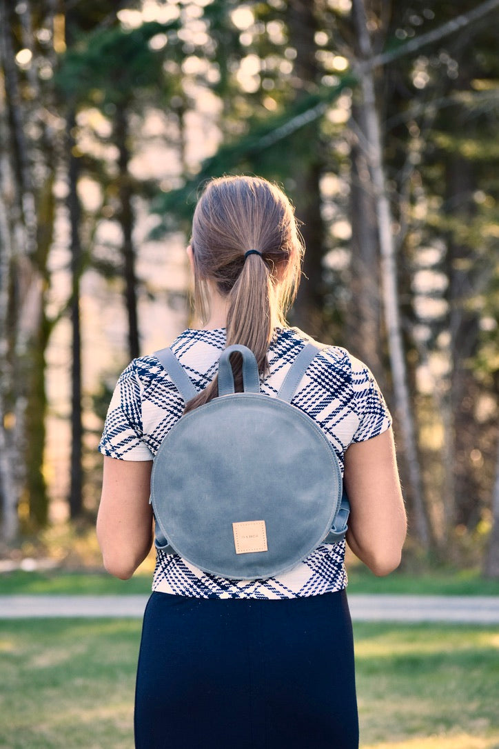 O STOCKHOLM - round leather backpack - slate
