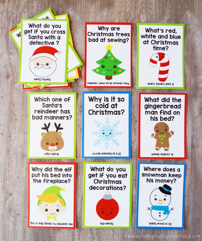 Free Printable Christmas Lunch Box Jokes- If you're looking for last minute Christmas decor, greeting cards, or gift tags, don't bother with the stores or online shopping. Instead, check out these 25 free Christmas printables! | Christmas wall art printables, printable gift tags, holiday printables, kids activities, #freePrintables #Christmas #DigitalDownloadShop