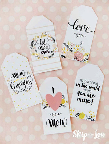 Amazing Mom Mother's Day Gift Tags- Make your Mother's Day gift even more special this year with one of these gorgeous free printable Mother's Day gift tags! There are so many pretty designs to choose from! | tags for homemade gifts, tags for DIY gifts, #freePrintables #mothersDay #giftTags #DigitalDownloadShop