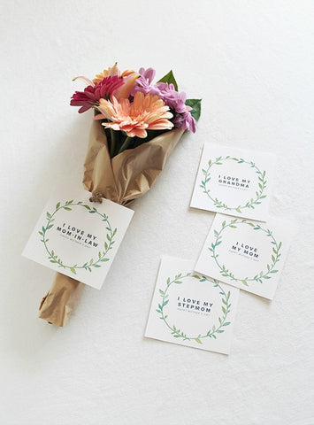 Free Printable Tags for Moms of All Types- Make your Mother's Day gift even more special this year with one of these gorgeous free printable Mother's Day gift tags! There are so many pretty designs to choose from! | tags for homemade gifts, tags for DIY gifts, #freePrintables #mothersDay #giftTags #DigitalDownloadShop