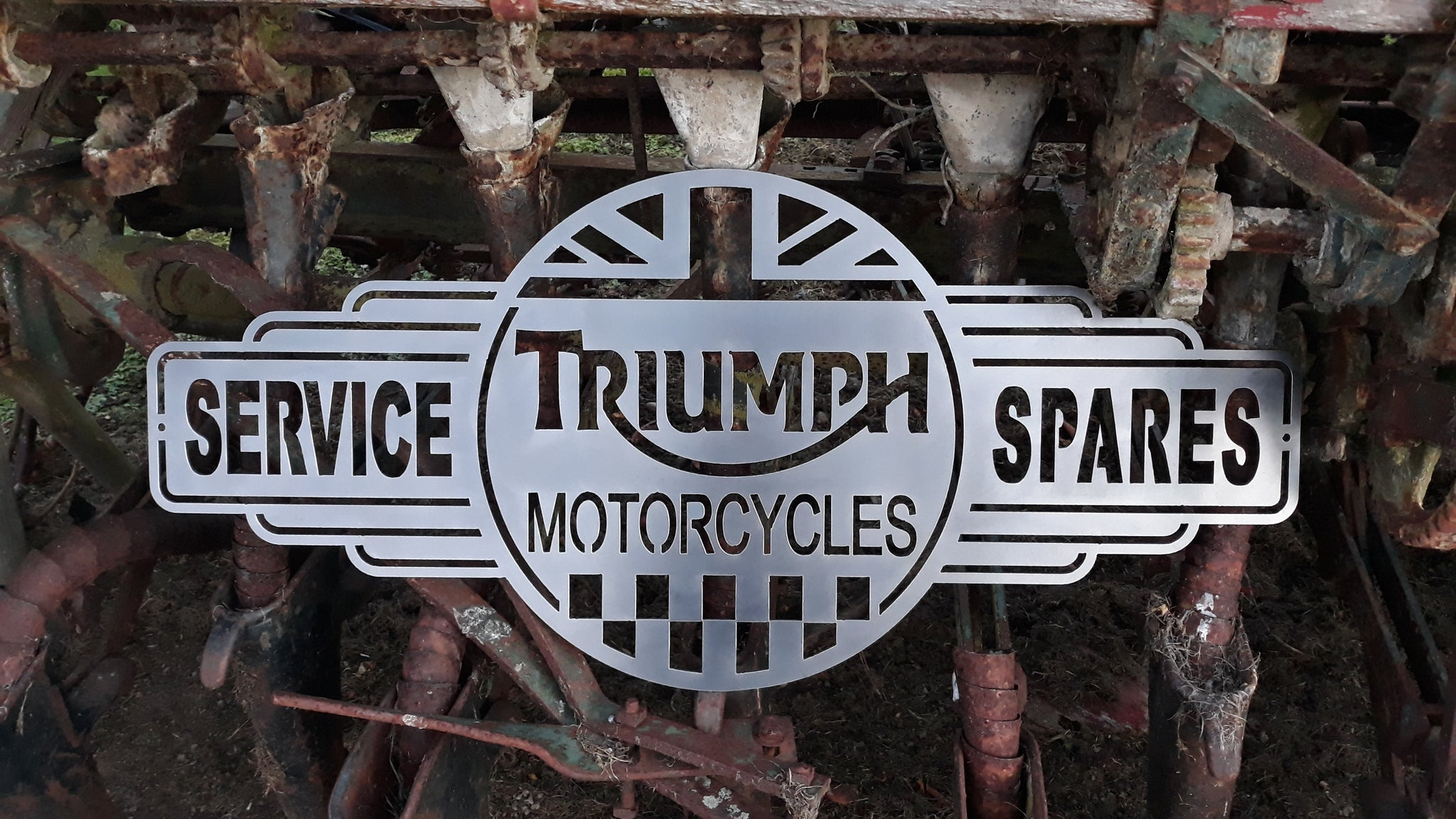 Triumph Service & Spares #1 – White Fire - Metal Craft, Signwriting
