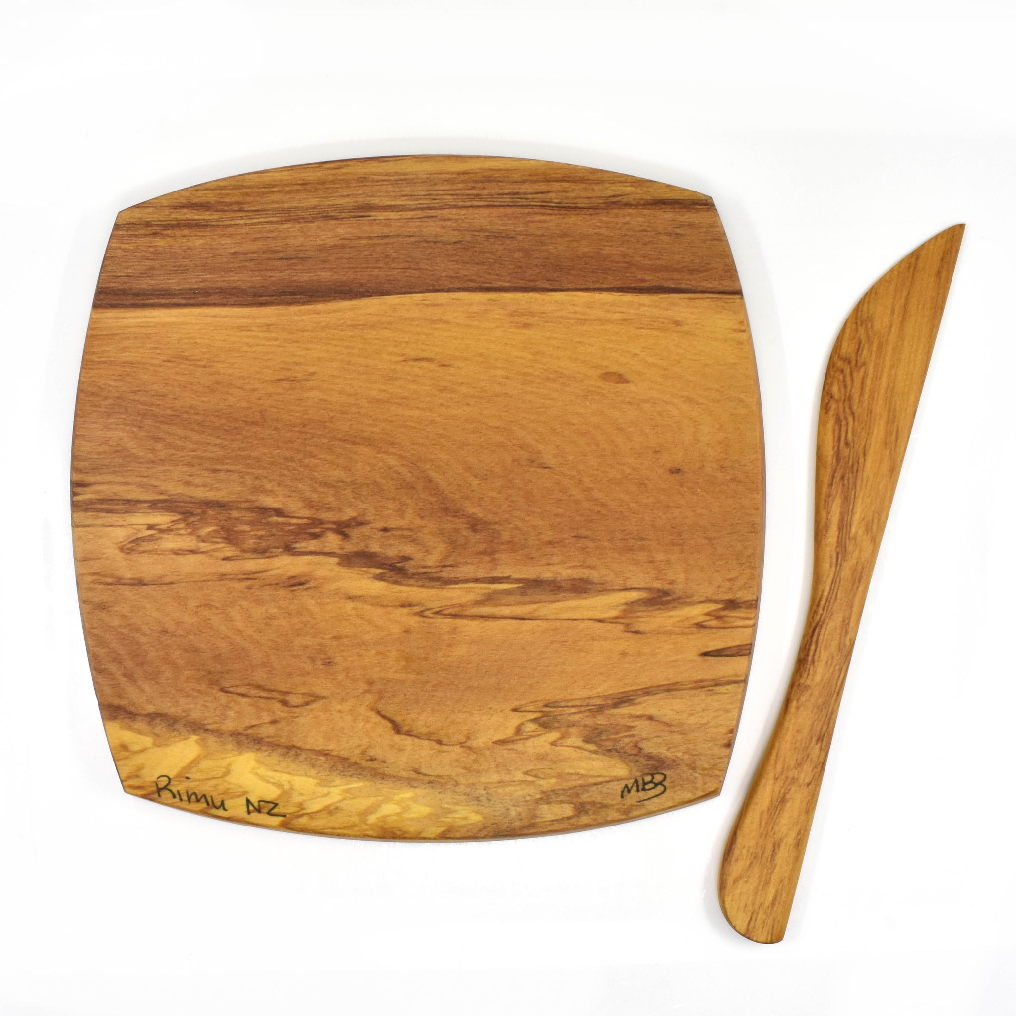 Rimu cheeseboard and knife - small