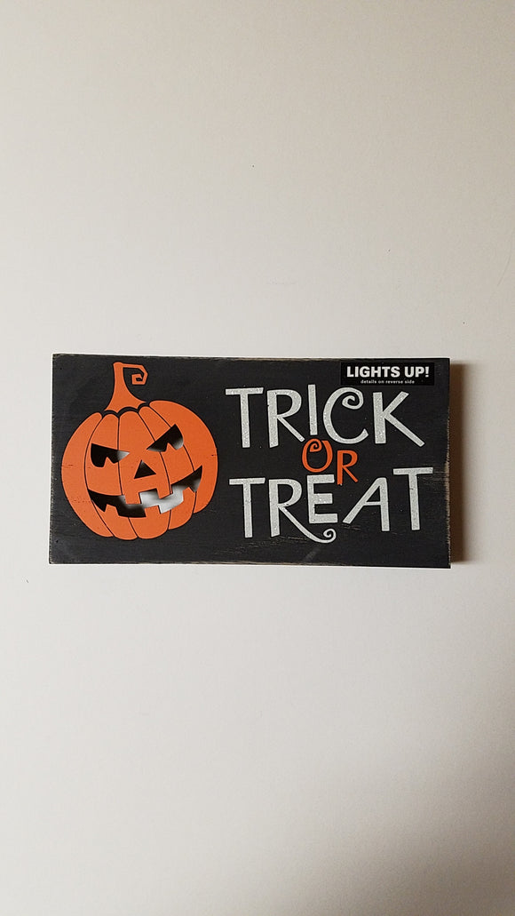 Prinz LED Plaque 'Trick Or Treat'