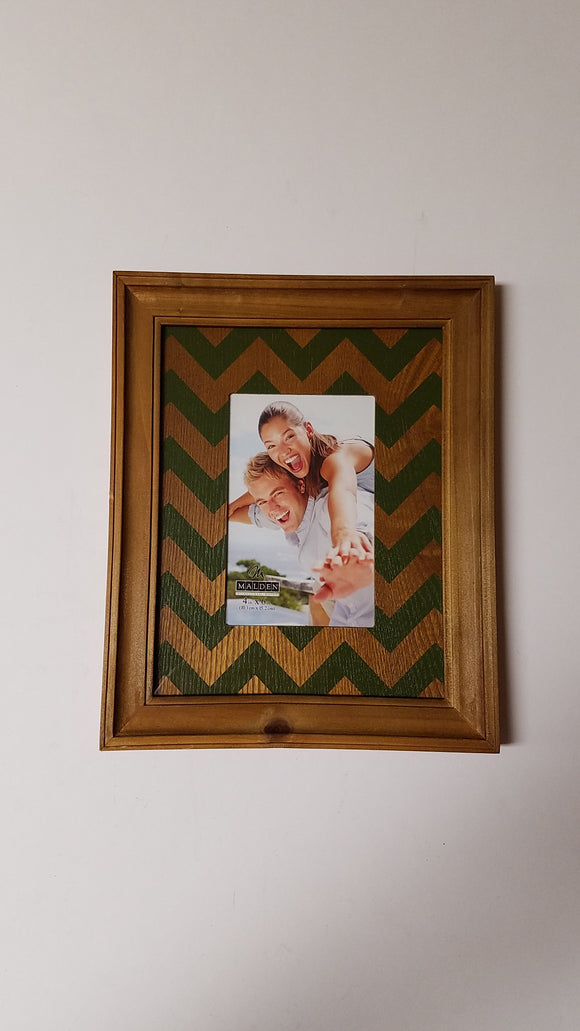 Malden 4x6 Green & Walnut Chevron