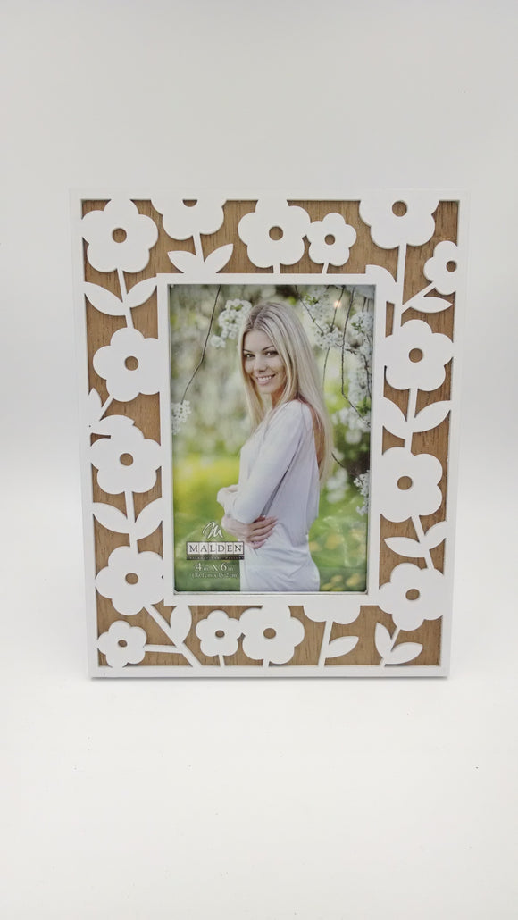 Malden 4x6 Flower Pattern Laser Cut Out White/Natural