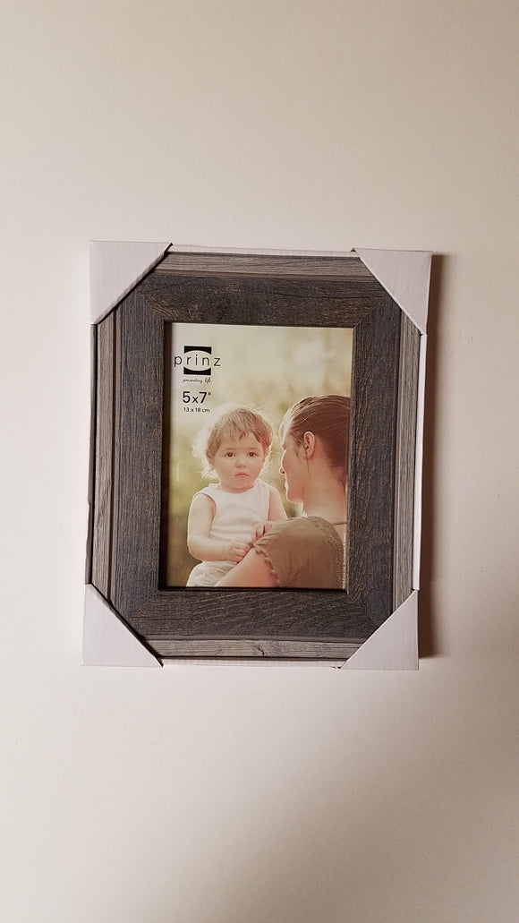Prinz 5x7 Bryce Natural w/Gray Wood Frame