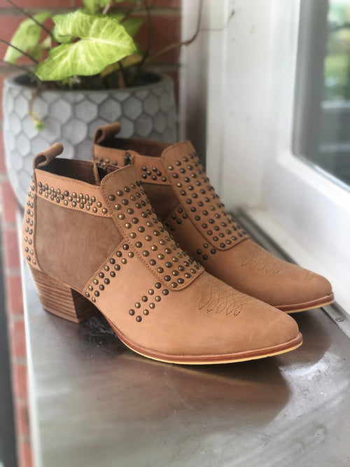 Stud Boot - Tan with Brass Studs