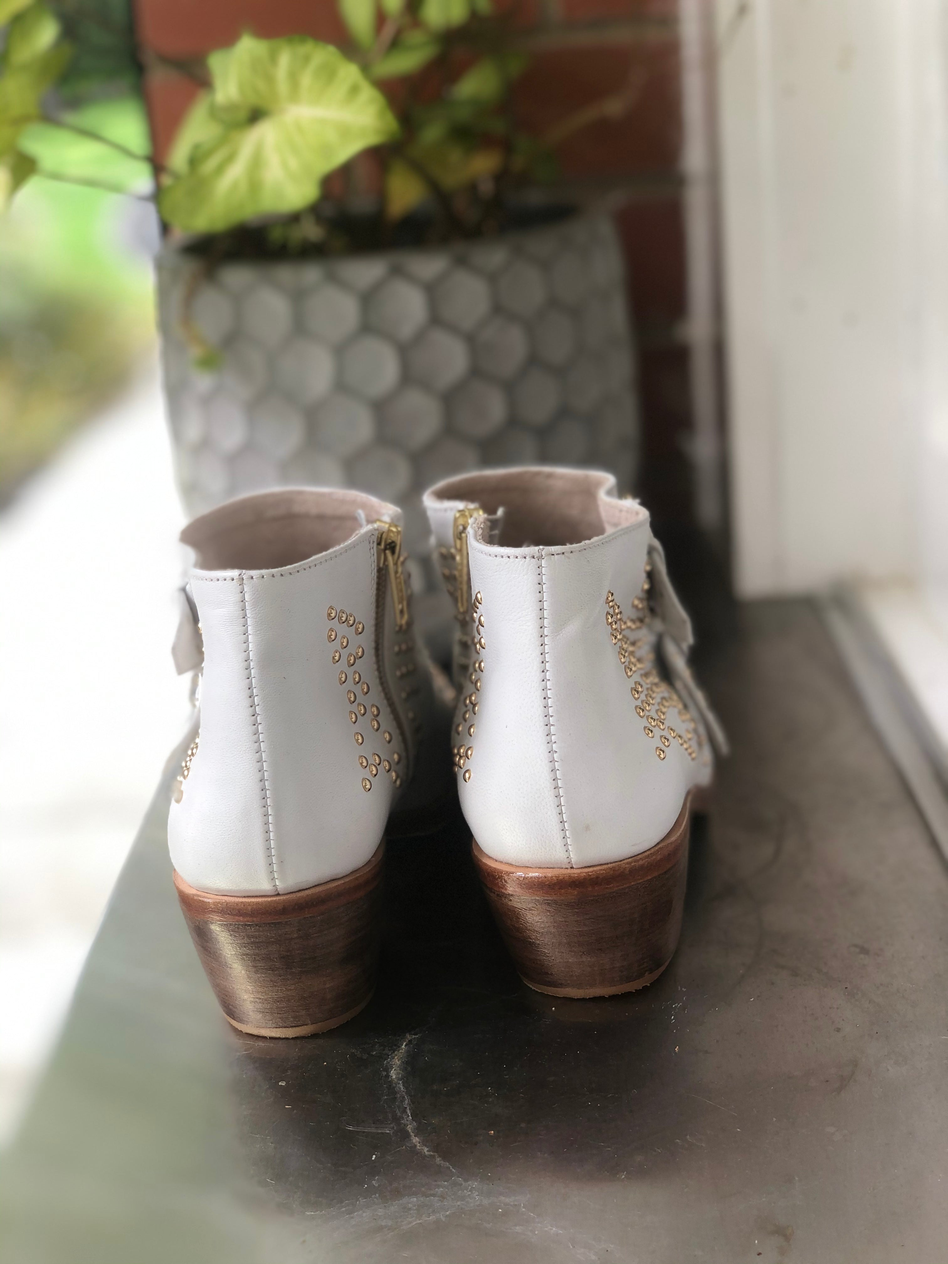 Star Boot  - white & Gold  - 2 Buckle