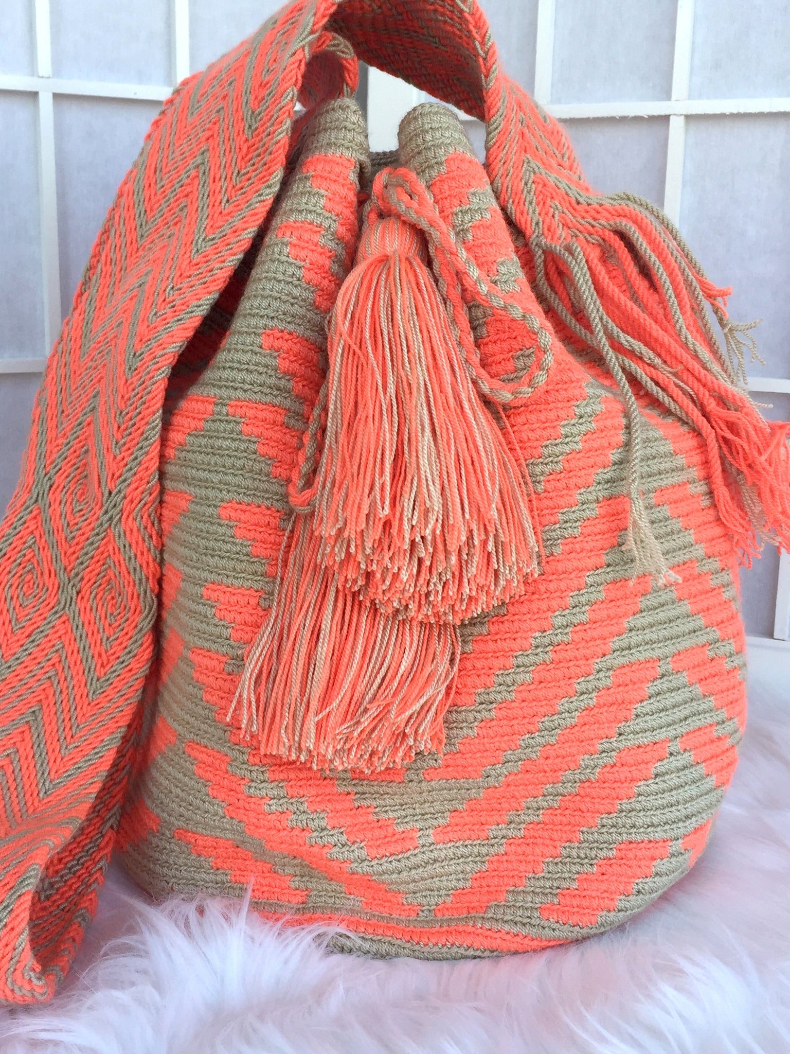 Patterned 2 Thread Crotchet S-Bucket Bag
