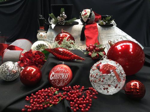 Large 'Berry Wonderful' Specialty Ornament Collection