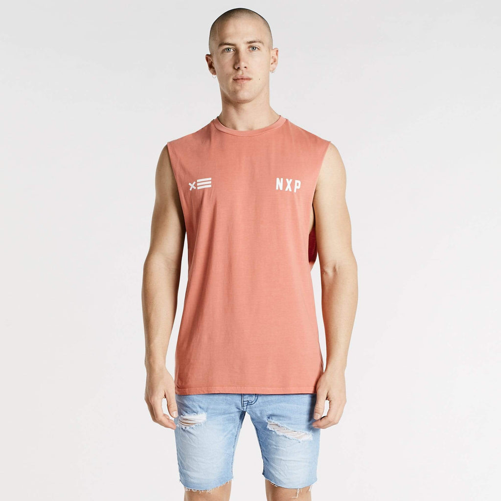 Decade Scoop Back Muscle Tee Pigment Coral