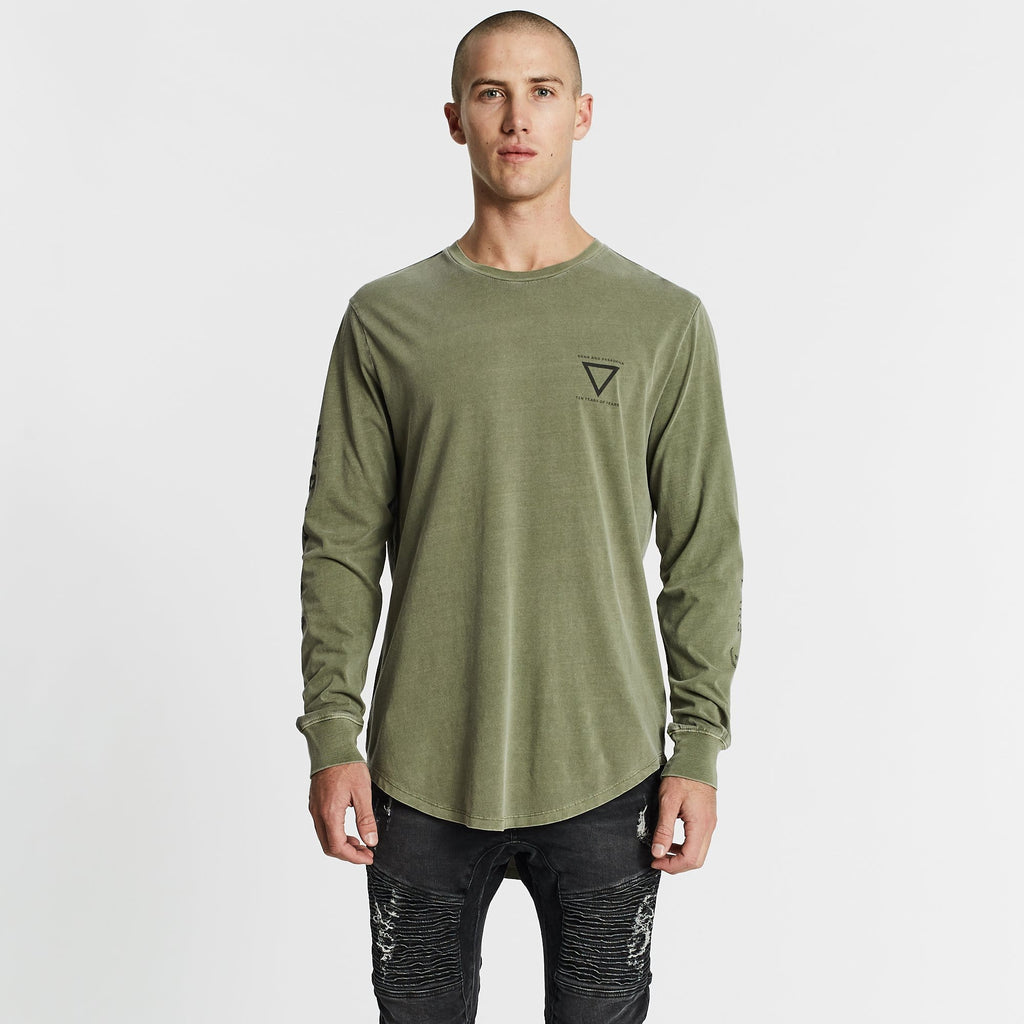 Outsider Dual Curved Long Sleeve T-Shirt Pigment Khaki