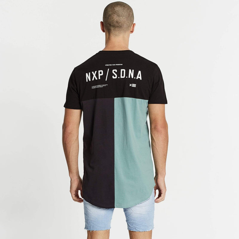 Unbound Freedom Cape Back T-Shirt Black/Graphite/Teal