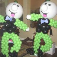 We use balloons of all sizes and shapes to create balloon sculptures, that are from a few inches, to over 20 feet tall!