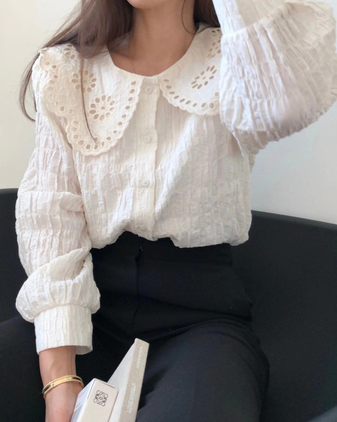 Lisa Eyelet Collar Shirring Button Blouse (Cream)