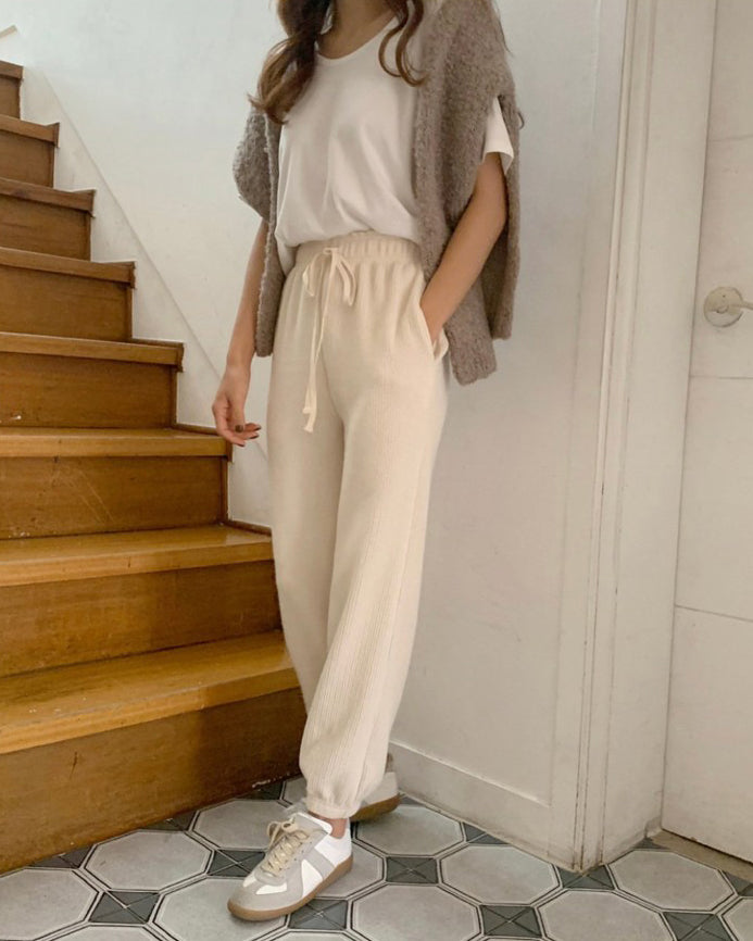 Edie Drawstring Banded Pleat Joggers (Cream)