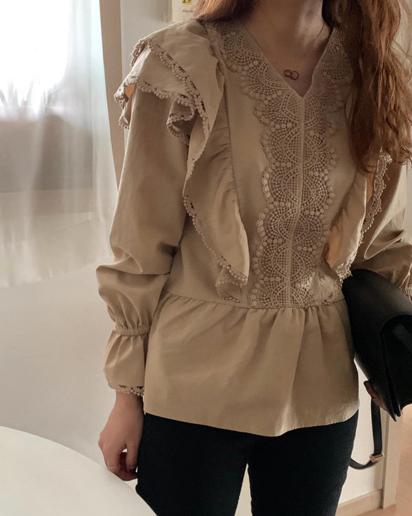 Jayna Frill Eyelet Detail Blouse (Brown)