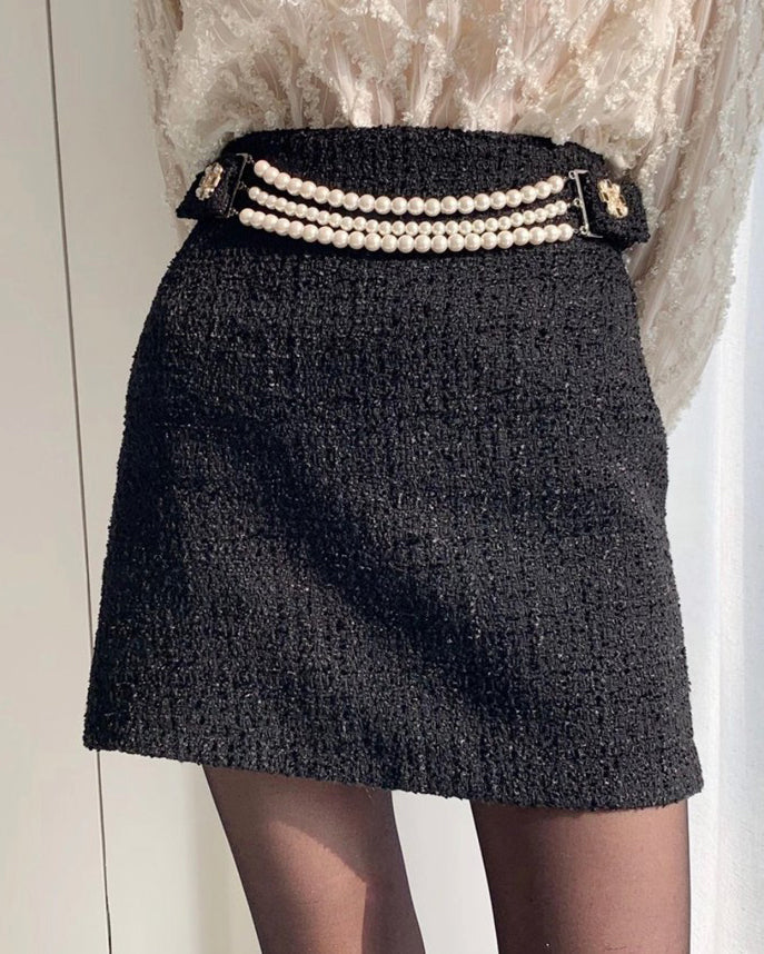 Mel Pearl Belt Tweed Short Skirt (Black)