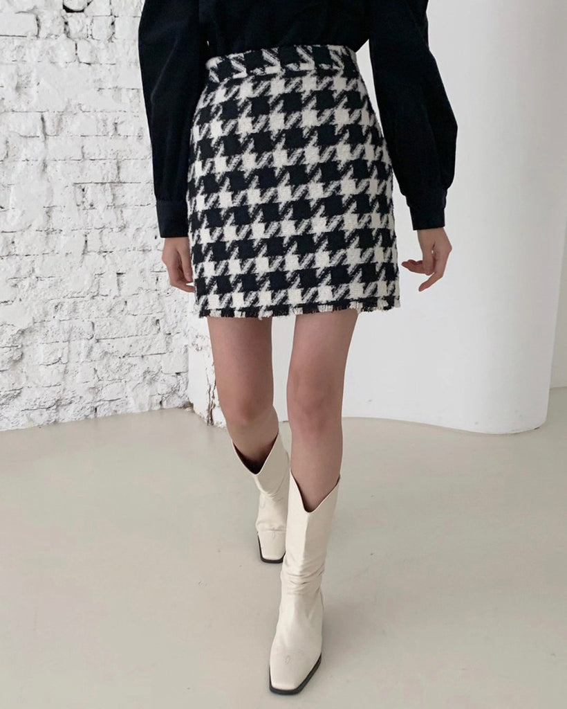 Danny Houndstooth Wool Short Skirt (Black)