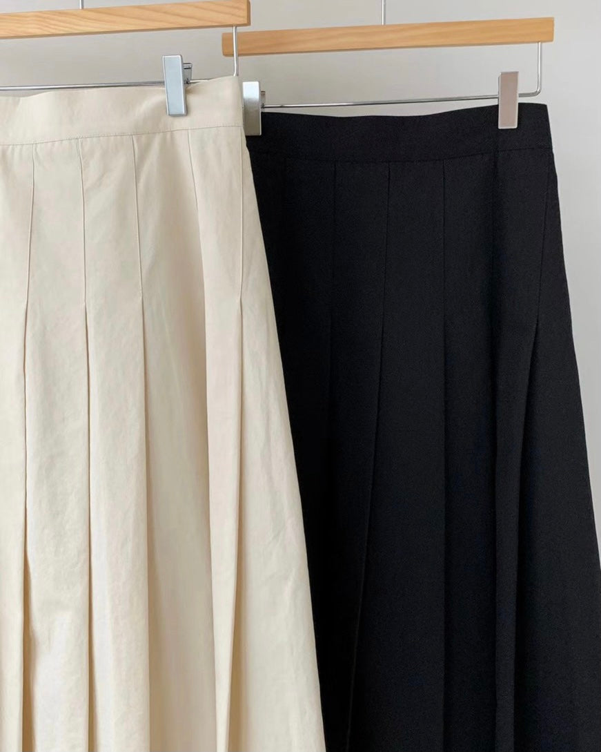 Marcella Pintucked Pleat Flare Skirt (Cream)