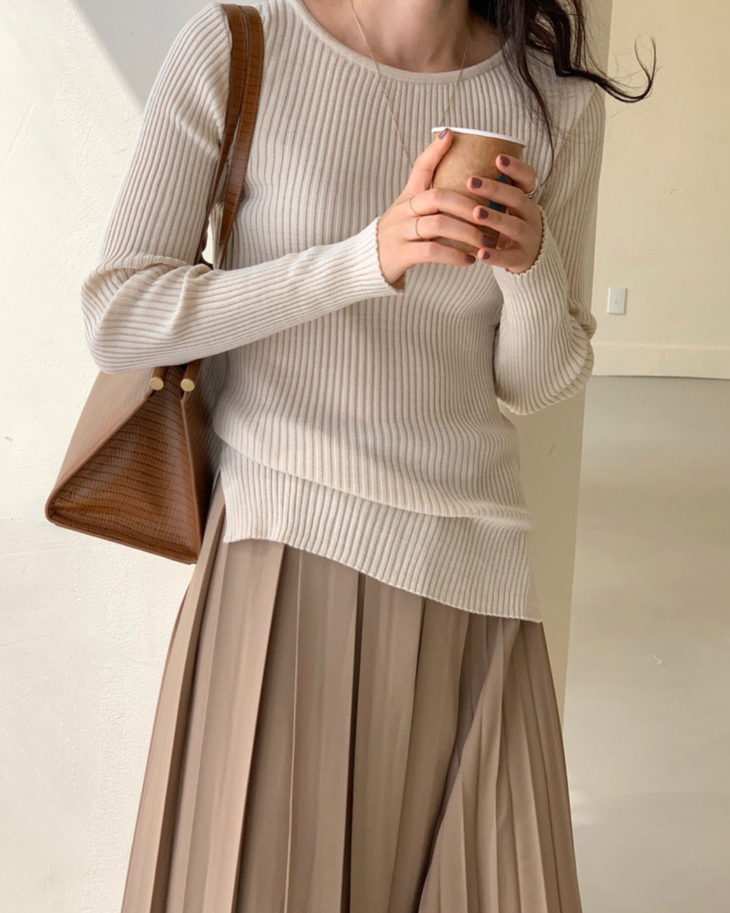 Dahlia Slim Ribbed Knit Top (Cream)