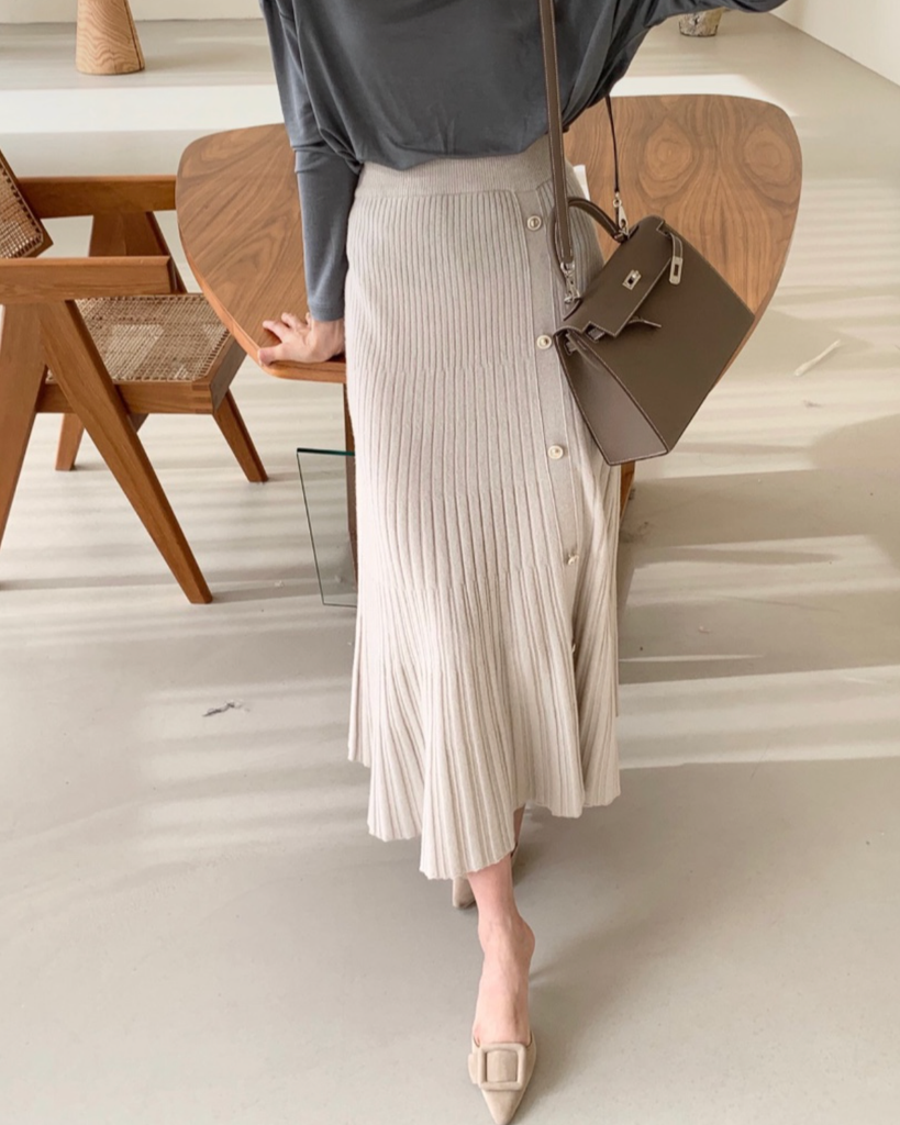 Henders Button Pleat Knit Flare Skirt