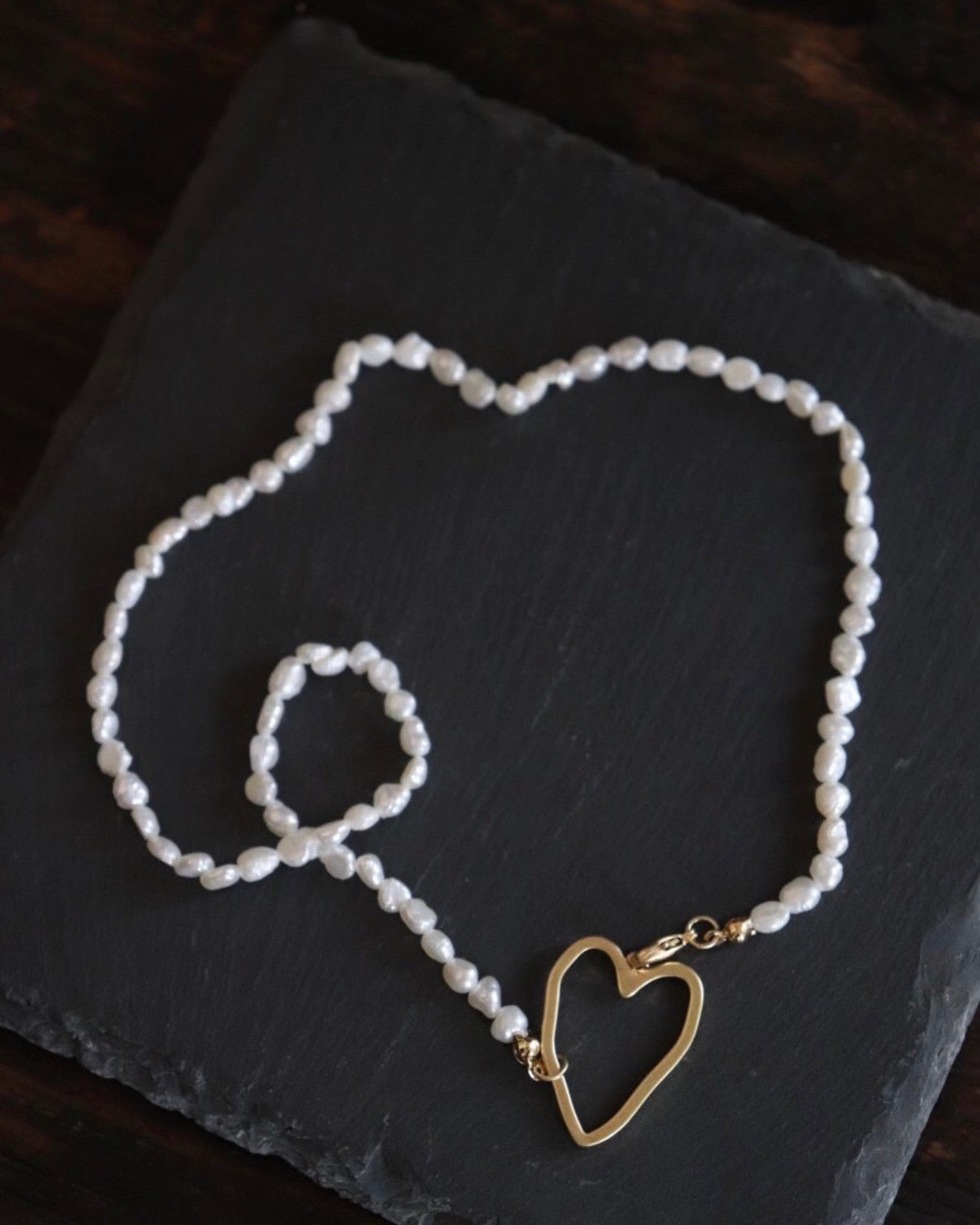Heart Clasp Pearl Necklace
