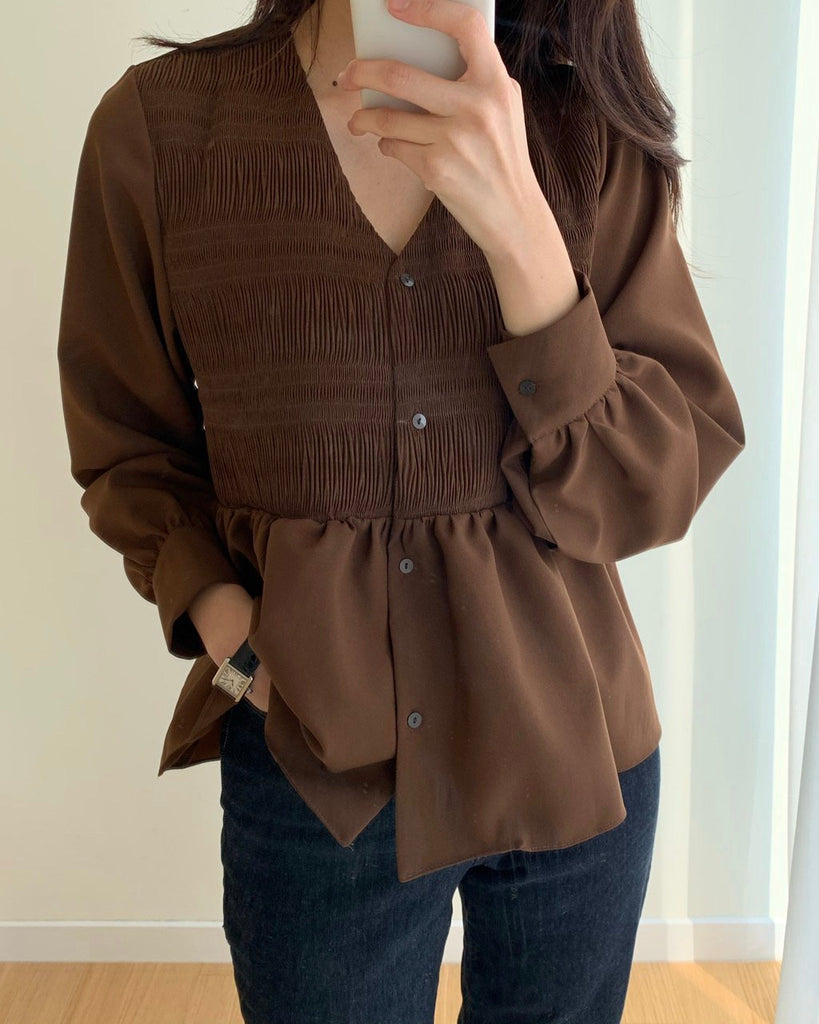 Smocked detail blouse (Brown)