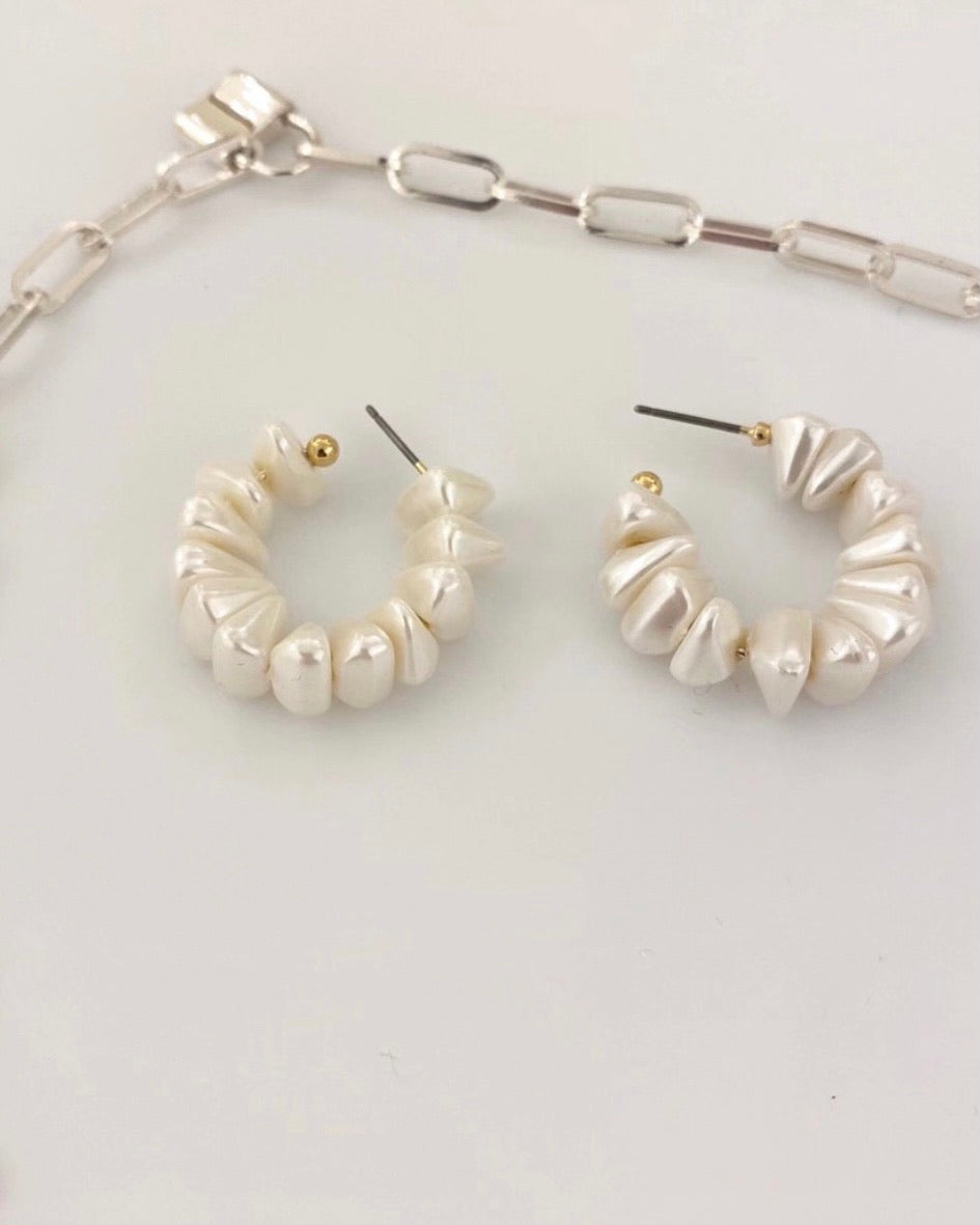 Pearl Beaded C-Hoop Earring