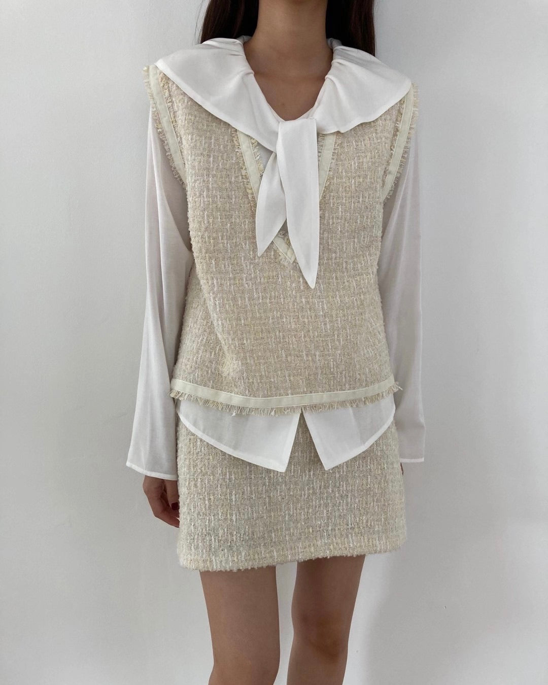 Frayed Shimmer Tweed V Vest (Cream)