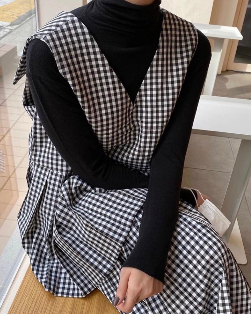 Gingham Bottom Pleat Tiered Ops (Black)