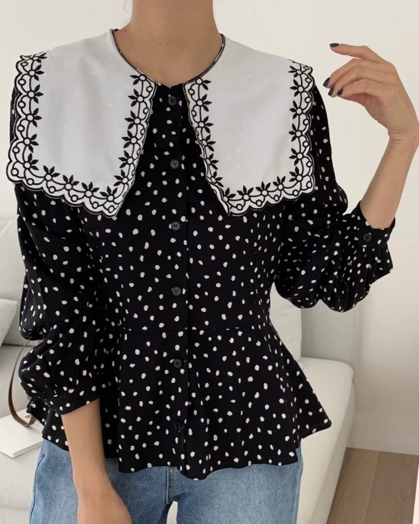 Embroidery Scalloped Collar Blouse