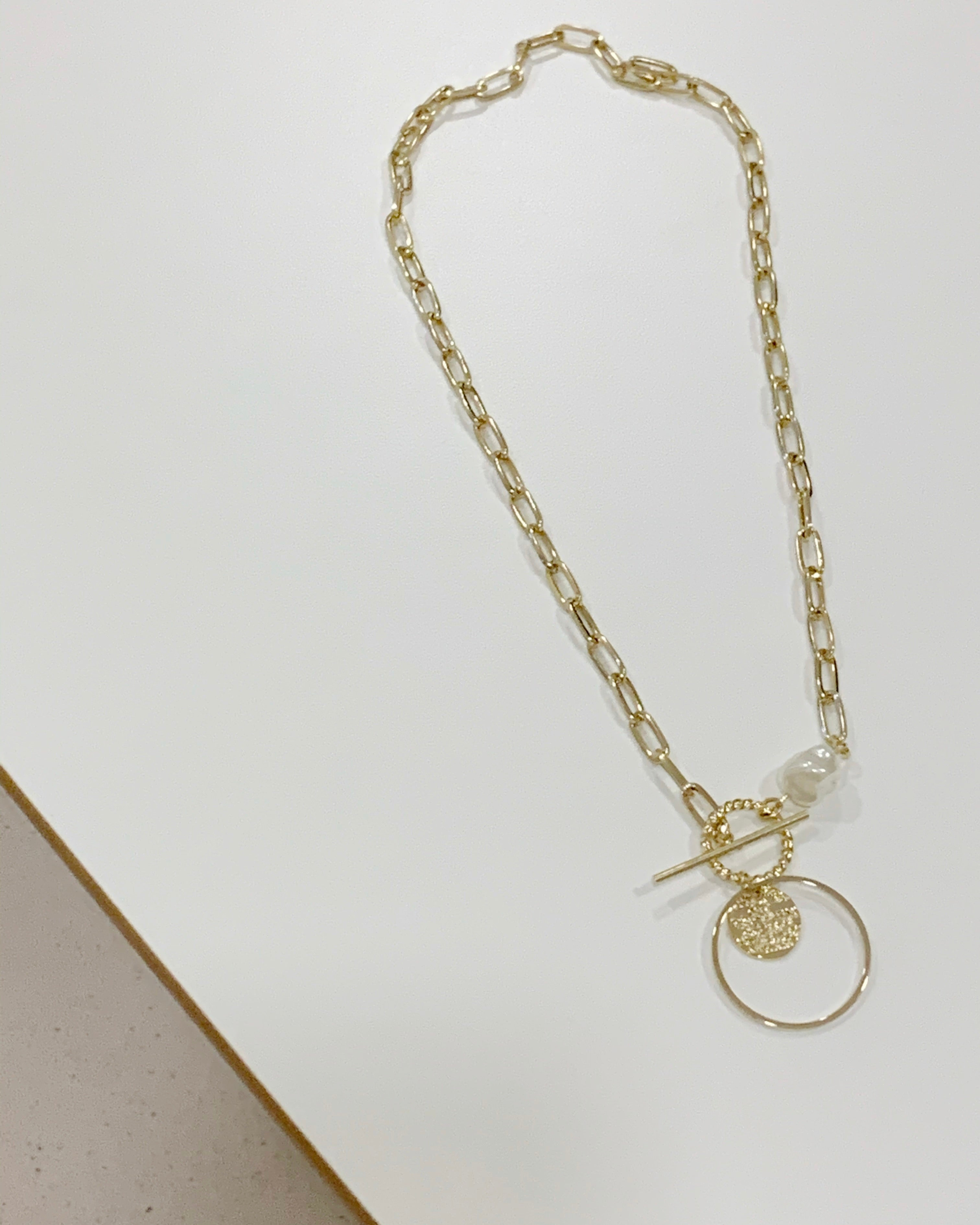 Round Loop Short Chained Necklace