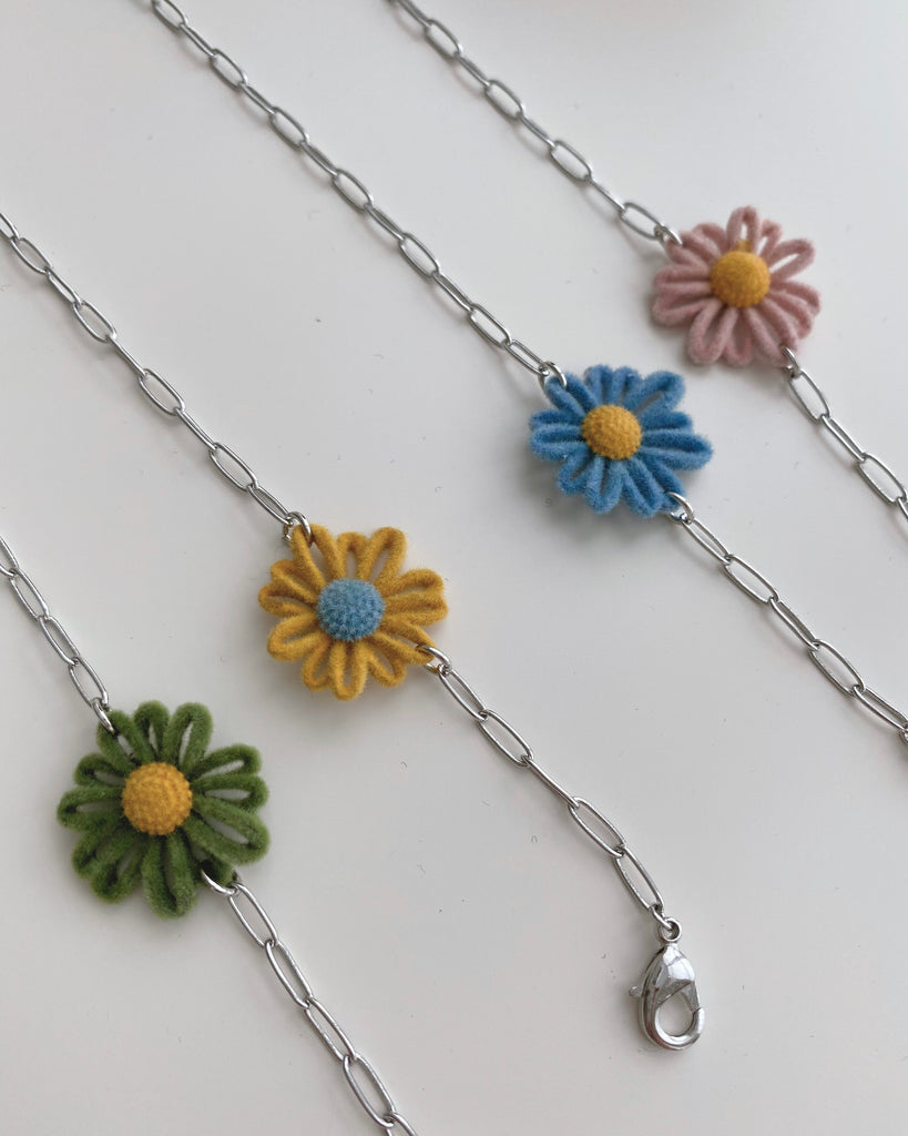 Duo Coloured Daisy Mask Chain