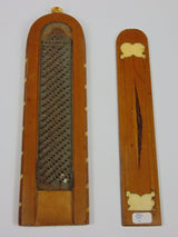 Neoclassical tobacco grater, with inlays in different woods and ivory. Charles X, early 800th century - Antichità Galliera