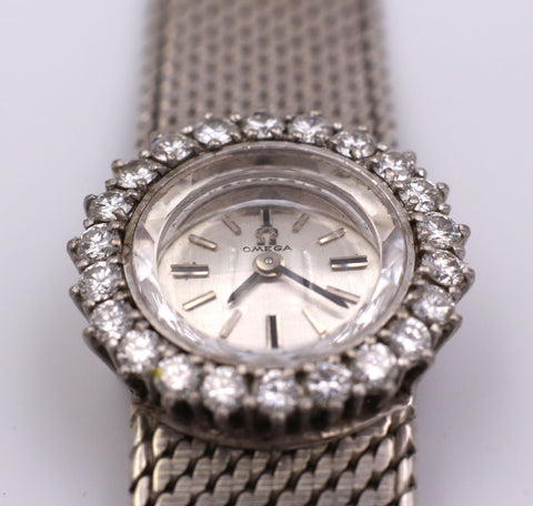 Lady Omega vintage wristwatch in 18k white gold with