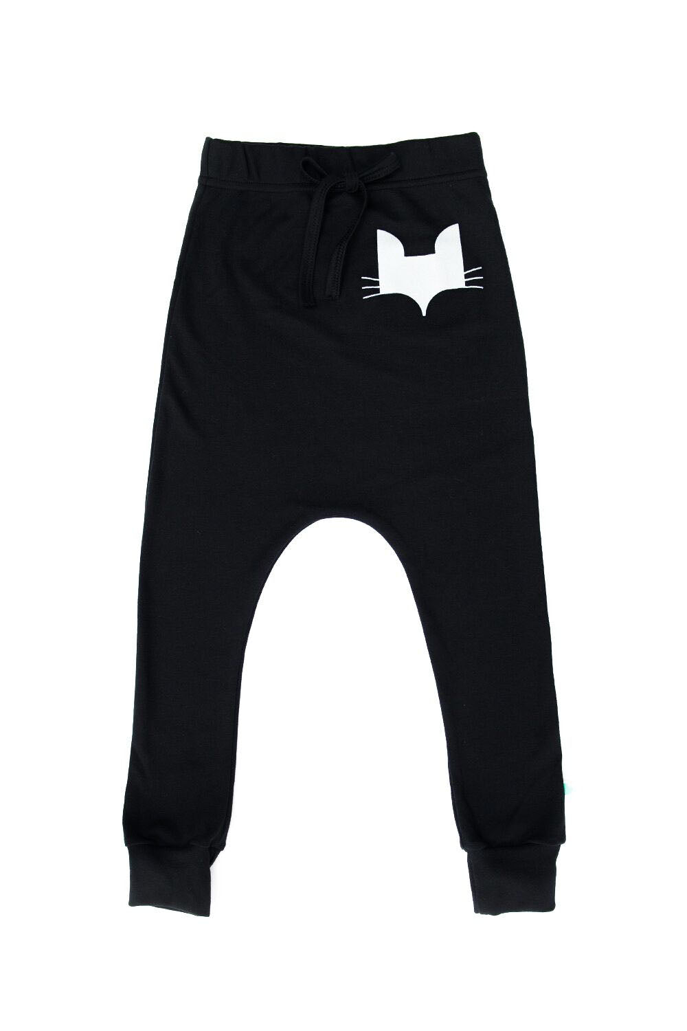 Unisex organic cotton jogger, GOTS certified and vegan friendly.