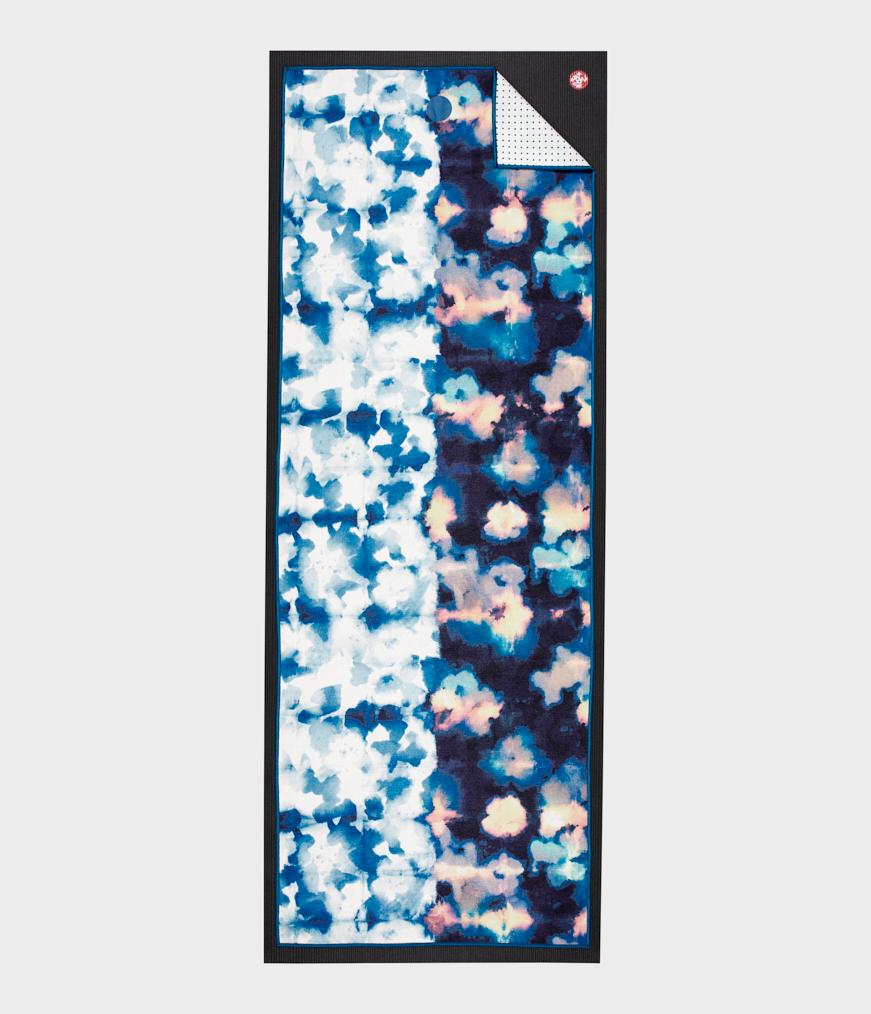 Manduka Yogitoes Skidless Yoga Mat Towel - Double Dye Blue 2.0
