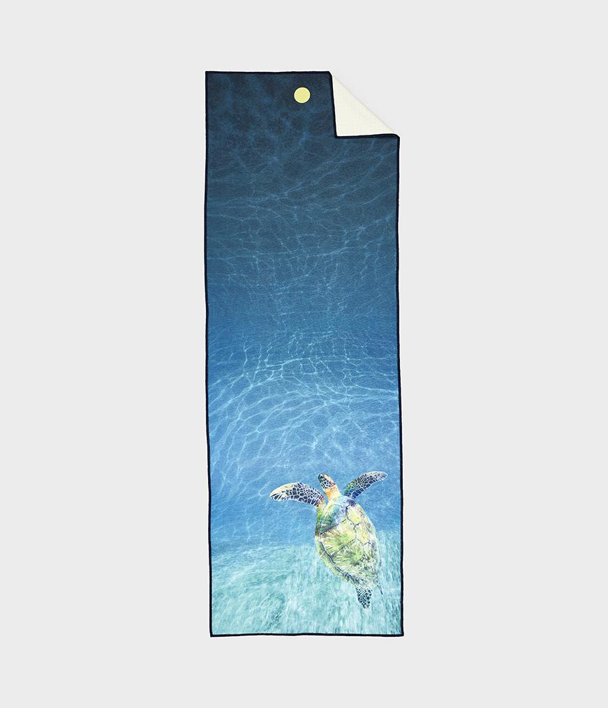 Manduka Yogitoes Skidless Yoga Mat Towel - Turtle Sea 2.0