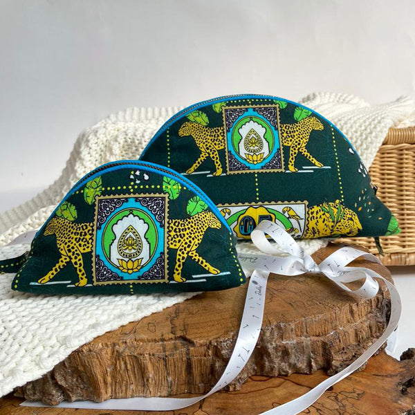 Dandelion - Green - Printed Cotton - Jungle Safari- Oval Pouch