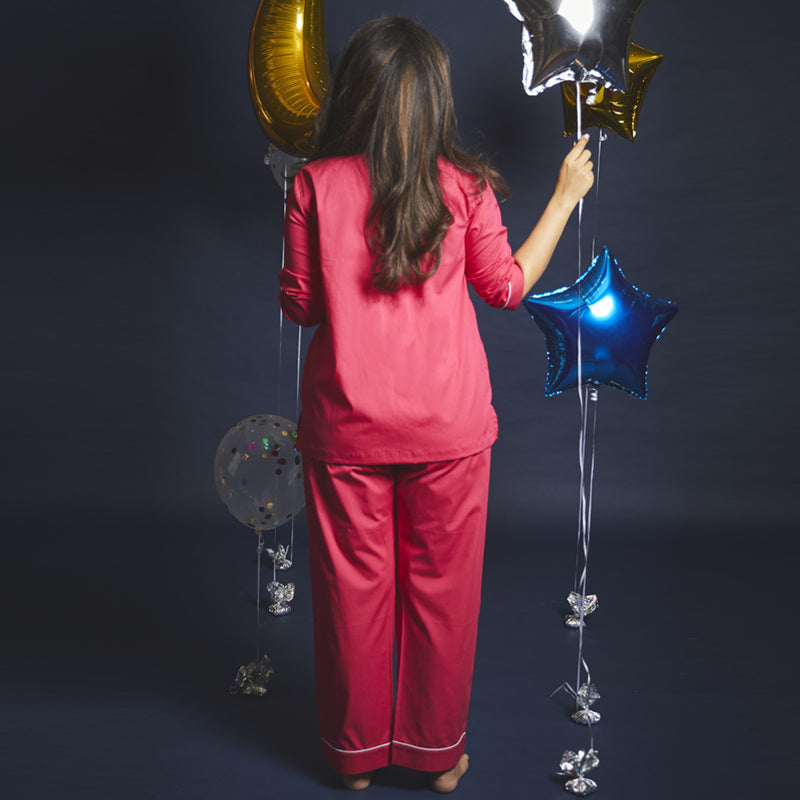 Women Gemini – The Twins Embroidered Pyjama Set