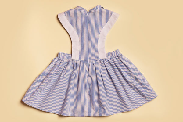 dress, girly dress, look retro, retro dress for girls, tablier, hearts embroidery, striped dress, robe rayée, robe rayée fillette, robe tablier fillette, broderie coeurs, robe rayée et brodée, robe d'été fillette