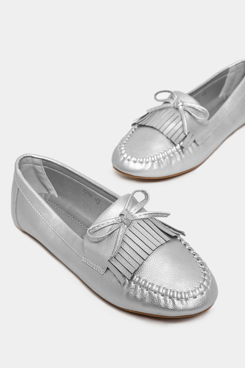 Silver Bow Front Fringed Moccasins - SinglePrice