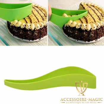 TRANCHEUSE DE GATEAU MAGIC est la solution efficace pour rapidement top chrono 5 secondes !!!, simplement et parfaitement couper et servir des parts de gateaux. C'est l'accessoire magic !!!